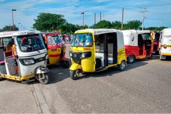Bloquean carretera en Juchitán