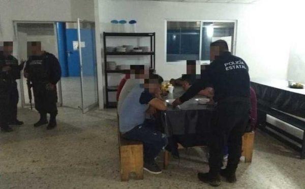 Rescatan a más de 100 migrantes en Veracruz