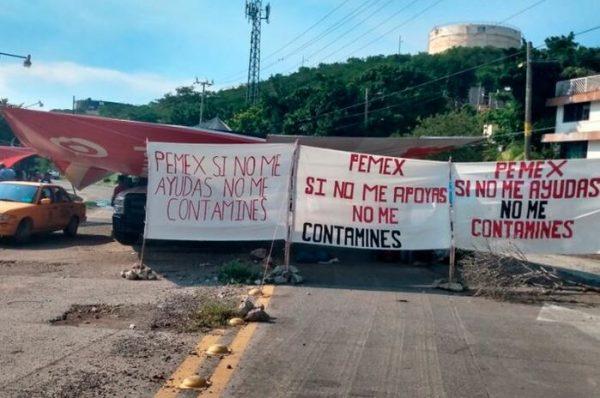 Permanece bloqueo en terminal marítima de Salina Cruz