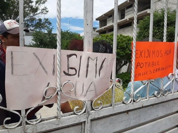 Protestan por falta de agua en Huajuapan