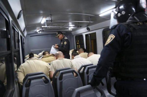 Trasladan a 140 internos de cárceles de CDMX a penales de Chiapas y Oaxaca