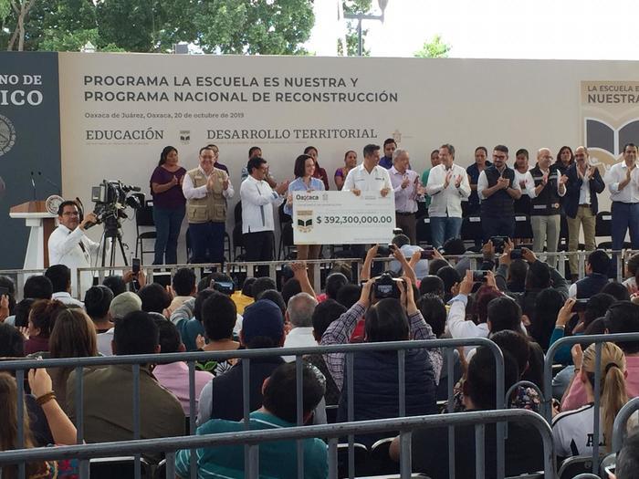 amlo escuelas oaxaca (3)