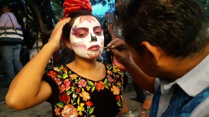 Artistas plásticos realizan primer concurso de Catrinas en Jardín Labastida