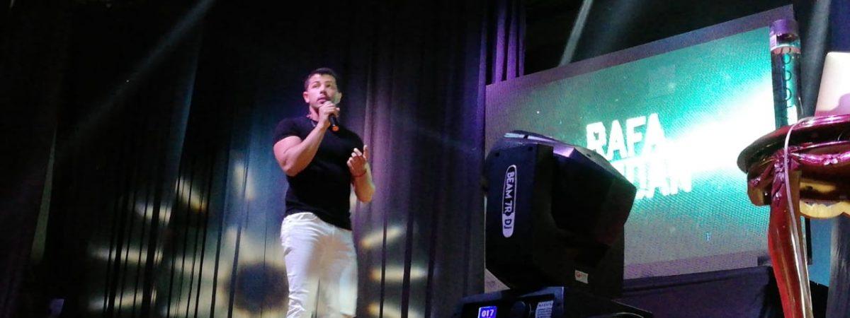 "Rafael Serdán imparte conferencia ""Rompe la puerta Tóxica"" en Tuxtepec"