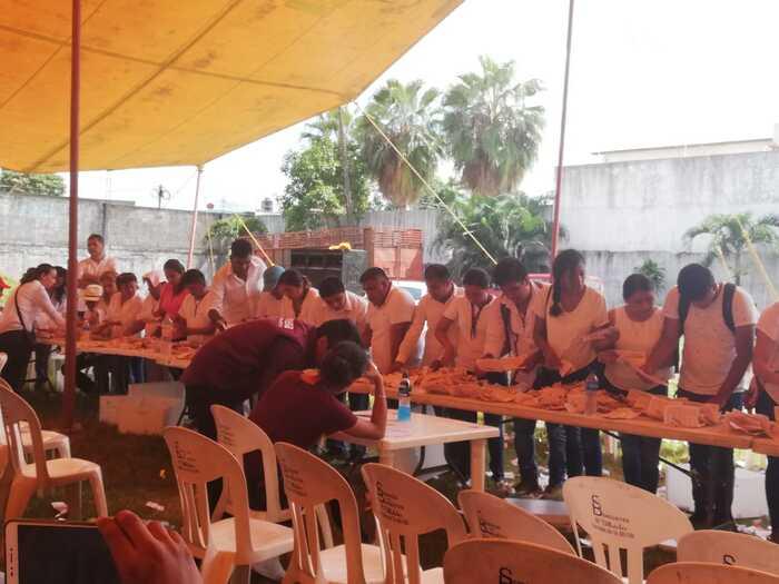 Tras más de diez horas de asamblea, eligen a los diez delegados distritales de MORENA
