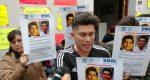Familiares de joven desaparecido en San Martín Mexicapam, protestan en la fiscalía general ante negligencia y omisión en el caso