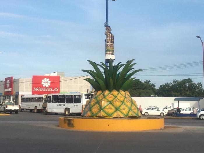 Estatua Flor de Piña; discurso político que perdió originalidad al dejar de lado su cultura: Tallera