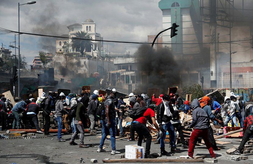 Nueva jornada de disturbios en Quito tras el 'paquetazo' de Lenín Moreno