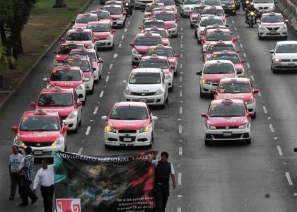 Taxistas amagan con desquiciar CDMX este lunes
