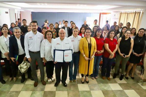 Recibe IEEPO reconocimiento por el fortalecimiento académico en la enseñanza y aprendizaje del inglés