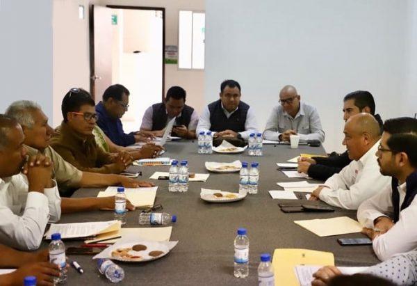 El IEEPO en conjunto con la dirigencia magisterial atienden a supervisores de Primarias Generales