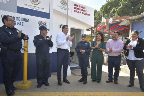 Fortalece Oswaldo García seguridad en el Mercado de Abasto