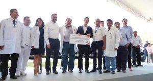 Fortalece Alejandro Murat Servicios de Salud de Oaxaca con más de 51.6 mdp