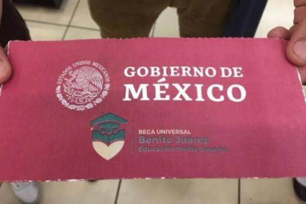"""Por anomalías en """"Becas Benito Juárez""""; retrasan el pago a beneficiarios"""