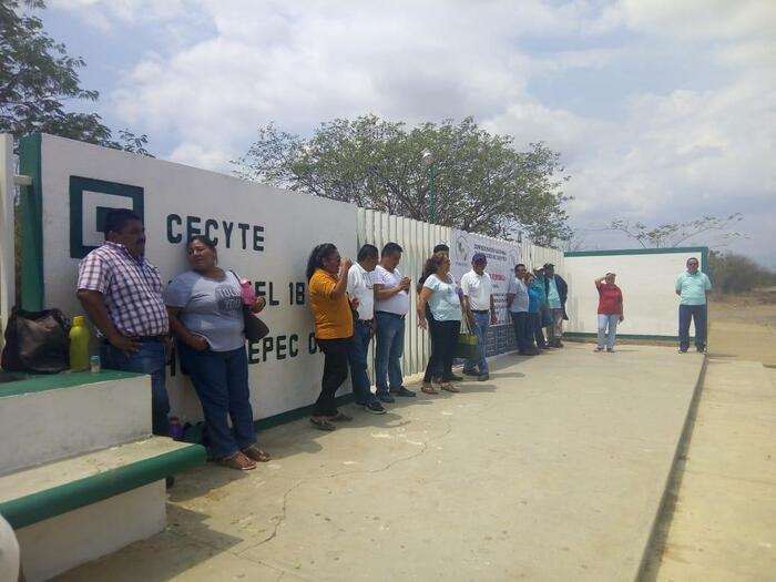 Reportan asalto en CECYTE de Tehuantepec - TV BUS Canal de comunicación urbana