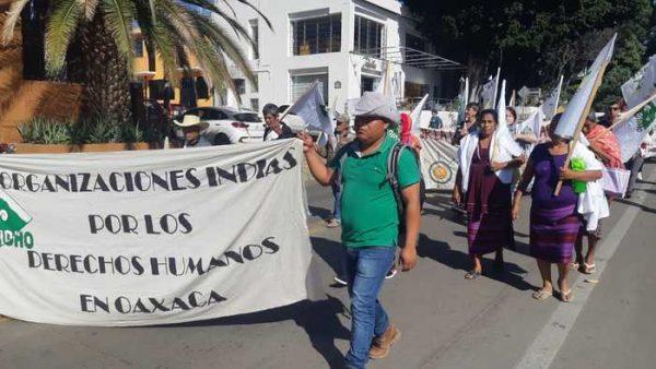 Marchan Sección 22 y organizaciones para exigir liberación de activista de CODEDI