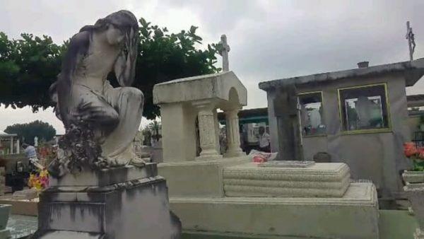 Inicia la llegada de visitantes a Panteones de Tuxtepec