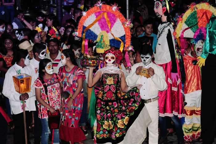 Realizaron verbena alusiva al día de muertos en Chiltepec