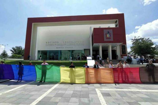 Necesario que funcionarios se capaciten en temas de perspectiva de género: LGBTI+