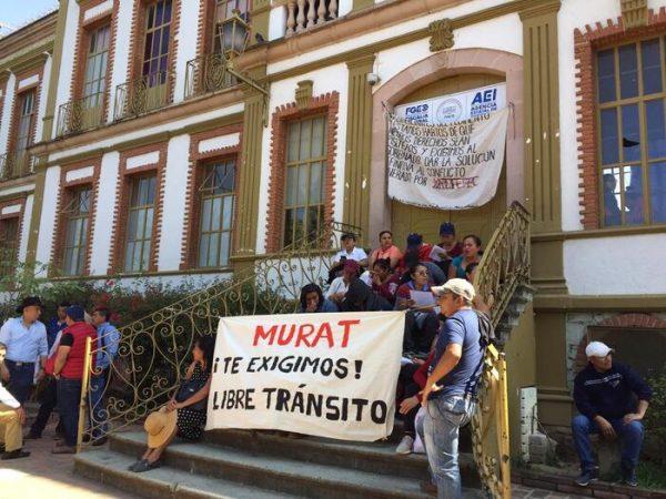 Juquila se movilizó y presionó, en Oaxaca tomaron dependencias, en Juquila cerraron comercios