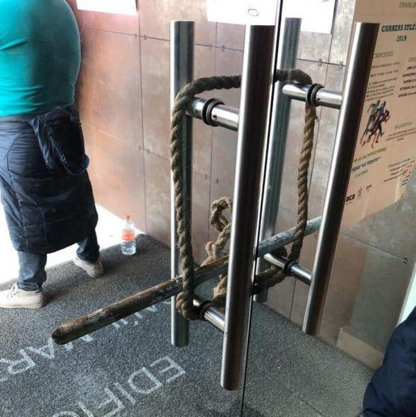 Manifestantes encerraron a trabajadores en Ciudad Judicial