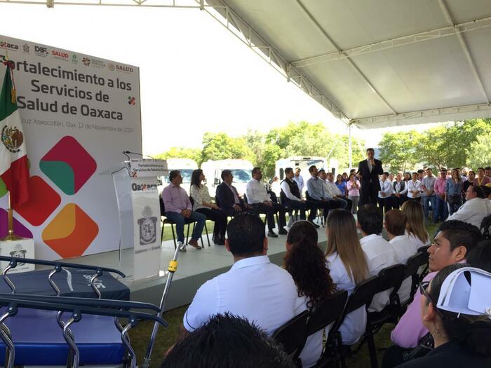Deslinda Murat a pobladores de San Vicente Coatlán por la ejecución de 5 elementos de la policía estatal - TV BUS Canal de comunicación urbana