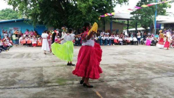 Escuela Primaria Ignacio Ramírez celebra día de muertos con festival alusivo