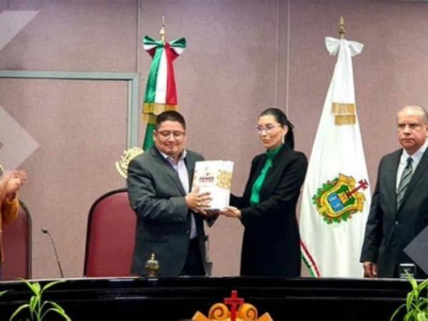 Entregan primer informe del gobernador de Veracruz
