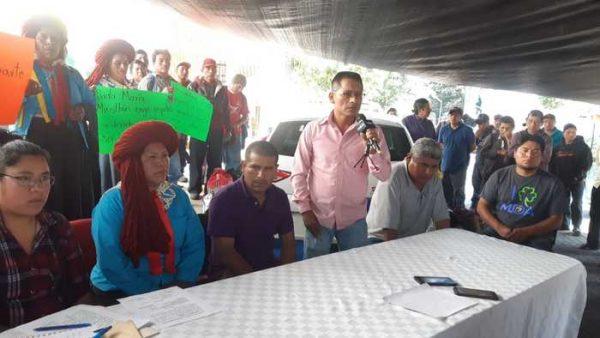 Realizan plantón habitantes de Mixistlán en oficinas del IEEPCO