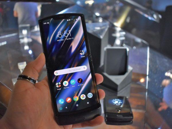 Motorola razr, primeras impresiones: un golpe fulminante a la nostalgia