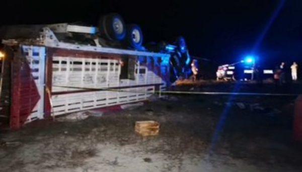 Vuelca camión de peregrinos poblanos que iban a Juquila