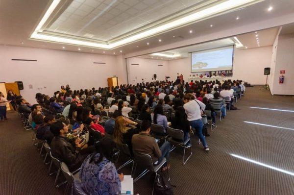 Promueve IEEPO 32 programas para el desarrollo profesional docente