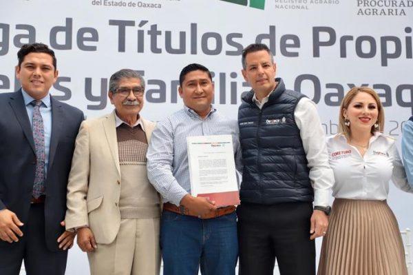 Entrega Gobierno de Oaxaca más de 14 mil títulos de propiedad y certificados de posesión que brindan certeza jurídica