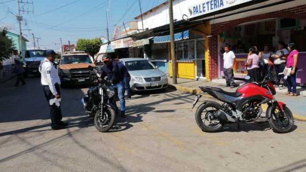 Discapacitado denuncia a motociclistas por bloquear rampas