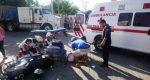 Chocan patrulla de la policía vial y motociclista en Puerto escondido