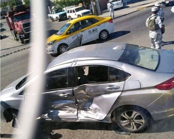 Accidente vial en Salina Cruz deja cuantiosos daños materiales