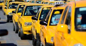Entre contagios, defunciones por covid y sin celebraciones, taxistas pasan su día