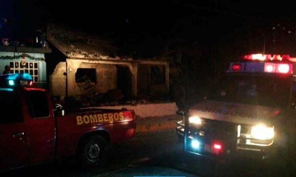 Mueren dos menores en explosión de polvorín en Veracruz