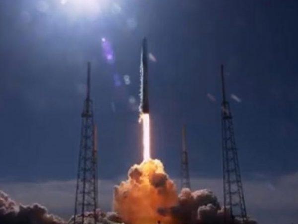 Lanzan con éxito nanosatélite mexicano AztechSat-1