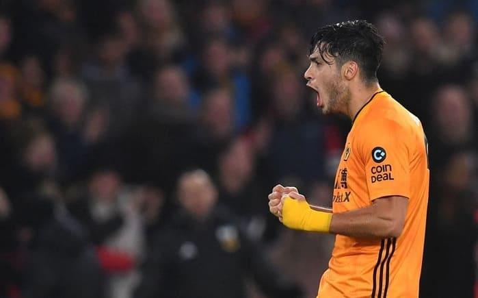 Con gol y asistencia de Raúl Jiménez, los Wolves vencen al Manchester City