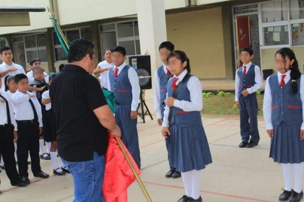Honores a la bandera en Instituciones Educativas de Chiltepec