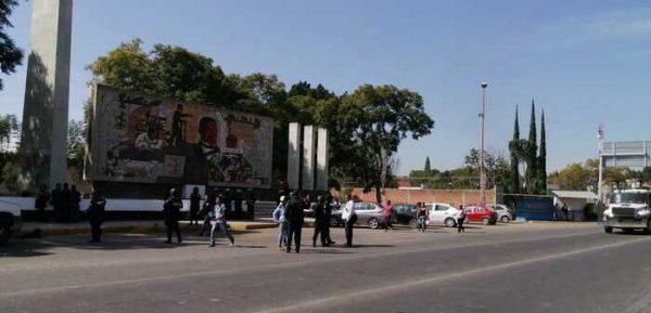 Tras intimidación de la policía, pobladores de Tutla liberan un carril de la carretera 190