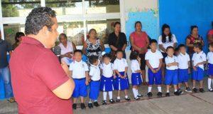 Se inicia la construcción del techado en el Jardín de Niños