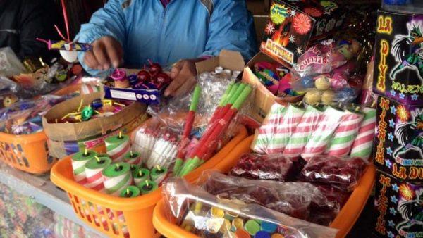 Ante venta de pirotecnia en Tuxtepec, autoridades municipales no pueden hacer operativos