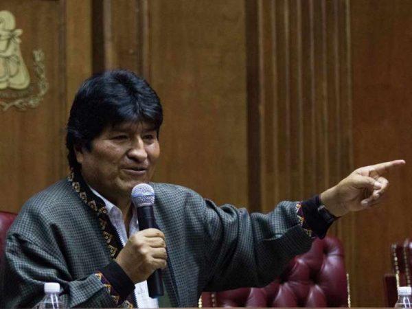 Evo Morales llegó a Argentina; pedirá ser refugiado