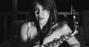 Trasladan a la saxofonista Oaxaqueña atacada con ácido a hospital de la CDMX
