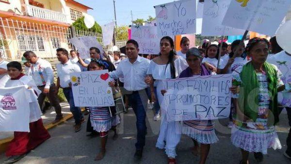 En Jalapa de Díaz, respaldan a su presidente y marchan por la paz
