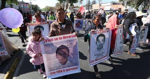 Datos apuntan que los 43 normalistas fueron llevados a diferentes municipios: abogado