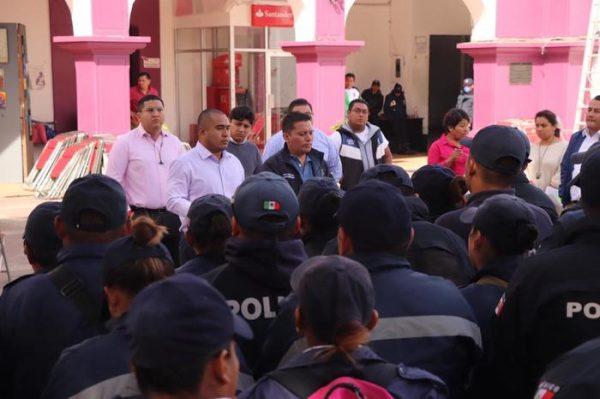 En tiempo y forma pago de aguinaldo a policías y personal administrativo en Santa Lucia del Camino
