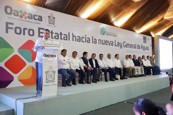 Suma Oaxaca esfuerzos para la creación de una nueva Ley General de Aguas: Alejandro Murat